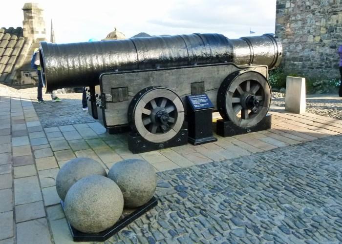 Mons Meg, big gun, Edinburgh Castle