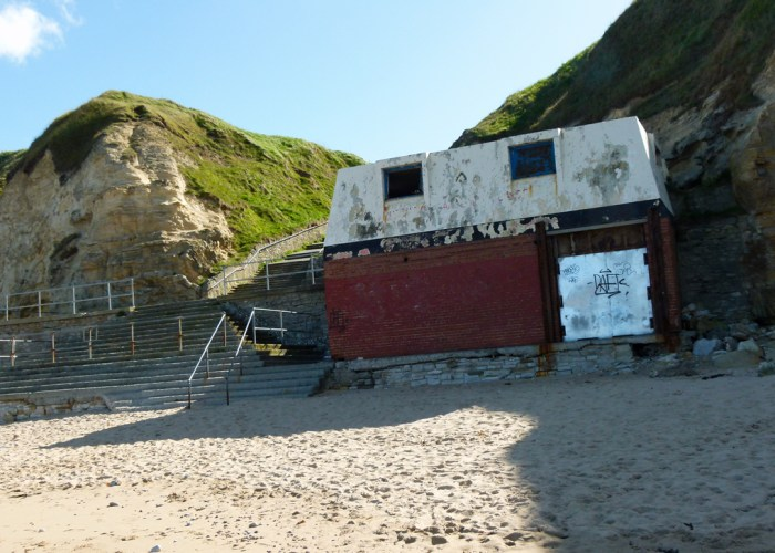 Lifeguard station, Marsden Bay, South Tyneside Council, neglect, incompetence