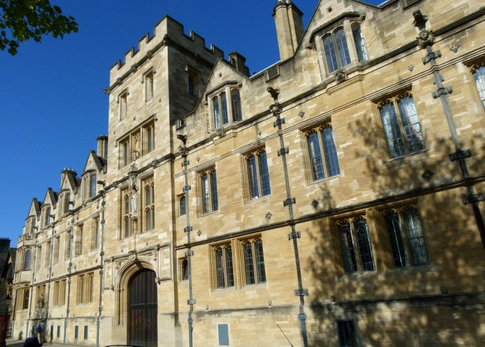 St Johns College, Oxford, Eagle and Child, Lamb and Flag