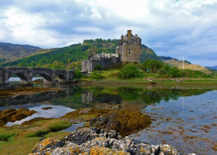 Eilean Donan Castle, places to visit in Scotland, about Britain