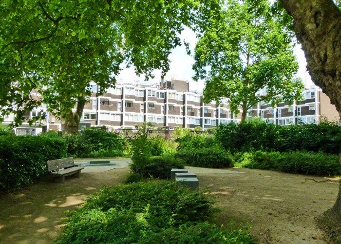 Quaker Gardens, Bunhill, London