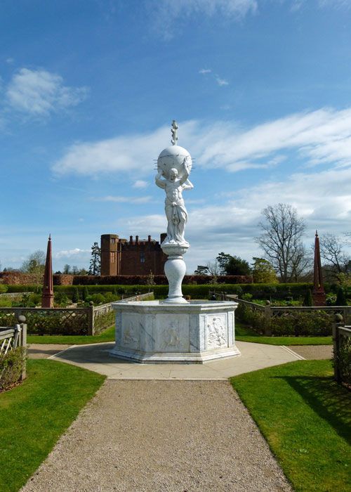 Fountain, Elizabethan garden, Kenilworth