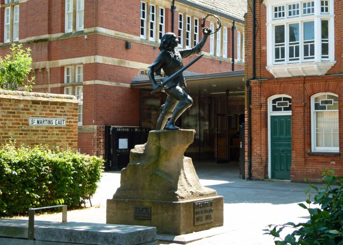 Richard III', statue, Leicester, Cathedral, Visitor Centre