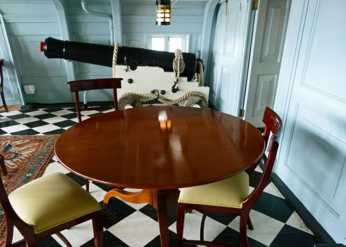 HMS Victory, officers' quarters