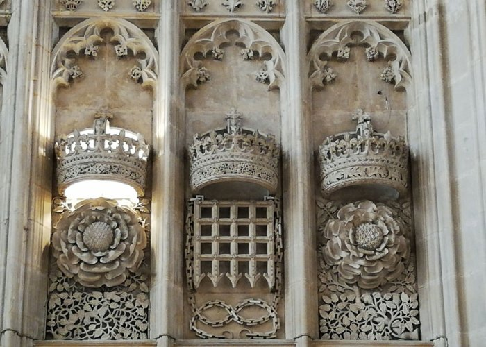 King's College, Tudor rose, Beaufort portcullis