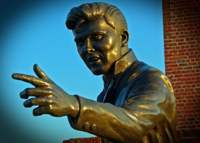 Billy Fury, Halfway to paradise, Liverpool