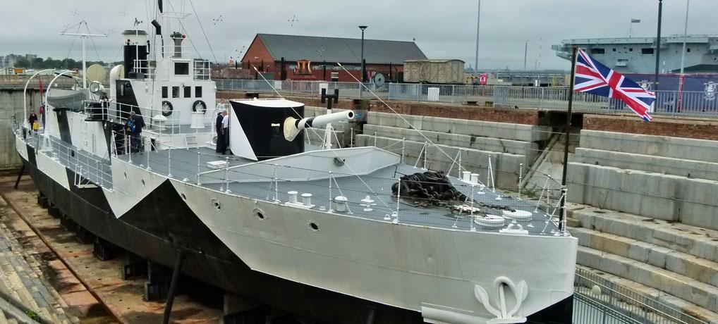Visit HMS M.33