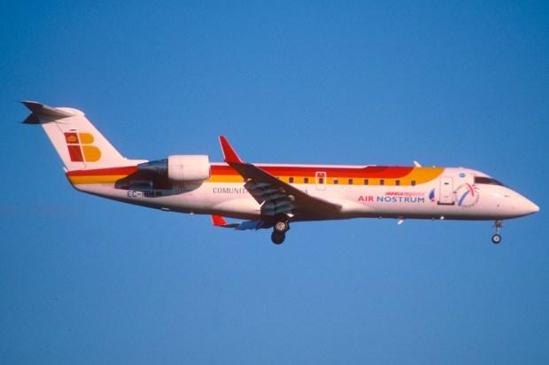 """""""268ab - Air Nostrum Canadair CRJ200ER"""" von  Aero Icarus via flickr.com. Lizenz. Creatice Commons 2.0"""