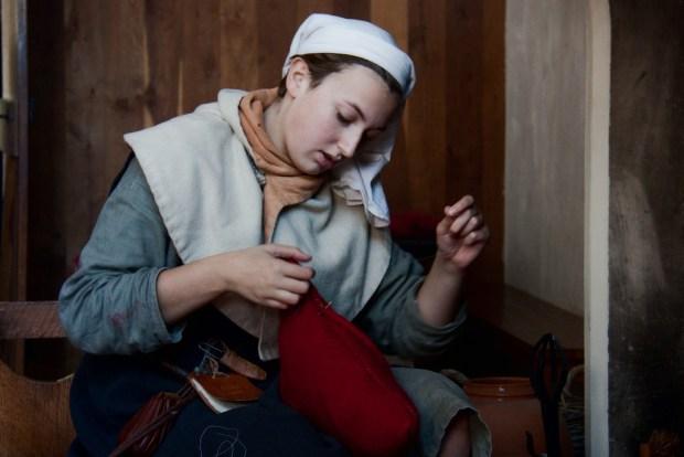"""Sieht so die Folge einer Deflation aus? """"Medieval Needlework"""" von Hans Splinter via flickr.com. Lizenz: Creative Commons"""