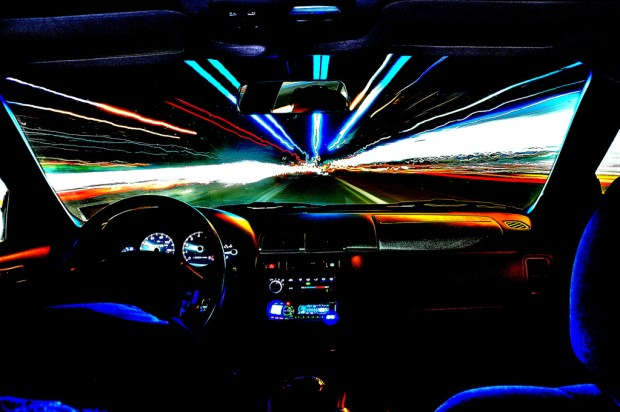 Hohe Geschwindigkeit führt zum Crash - sowohl im Auto als auch auf Bitcoin-Börsen. Bild: Ludicrous Speed von Dan DeChiaro via flickr.com. Lizenz: Creative Commons