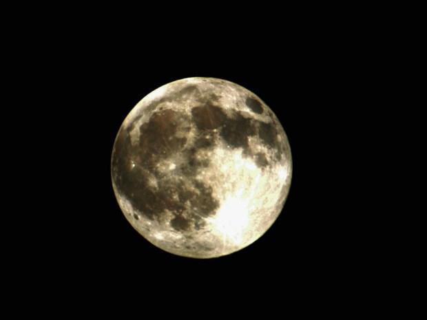 Solstice Moon von Bruce McKay via flickr.com. Lizenz: Creative Commons
