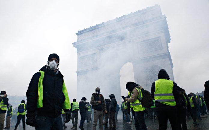 yellow vest Paris Protests euro bitcoin