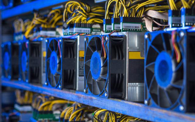 bitcoin miners mining hashrate