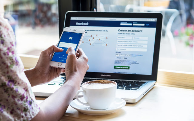 Facebook: The Rise of a Giant and the Libra Cryptocurrency