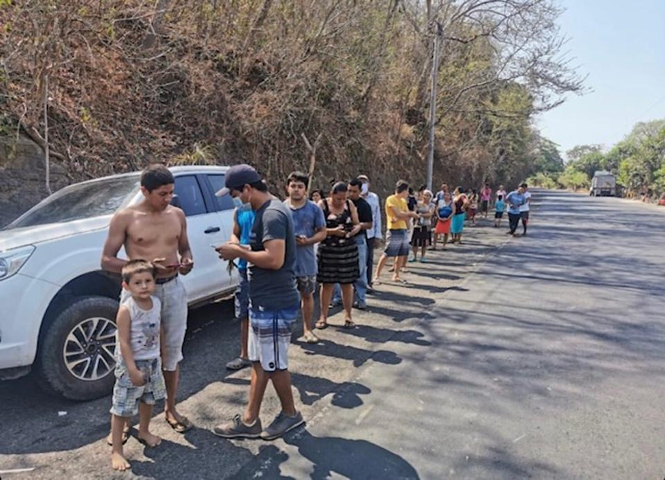 Line to receive Bitcoin payments in El Zonte.