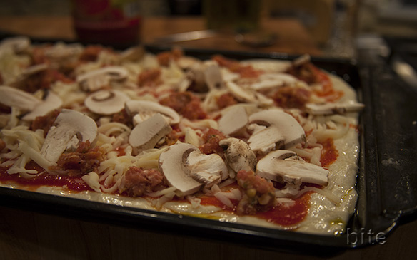 fennel sausage and mushroom pizza