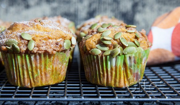 Pumpkin Cheesecake Muffins with Toffee Crunch