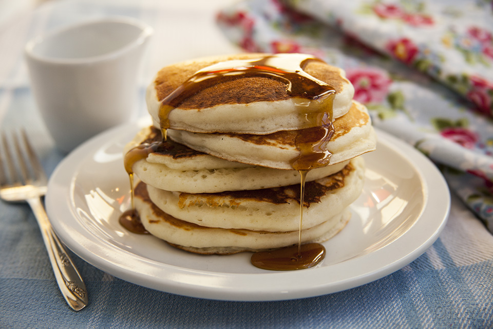 best buttermilk pancakes on the planet / bitebymichelle.com