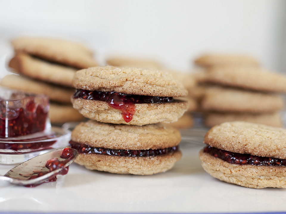 jam jams – gingersnaps stuffed with raspberry jam