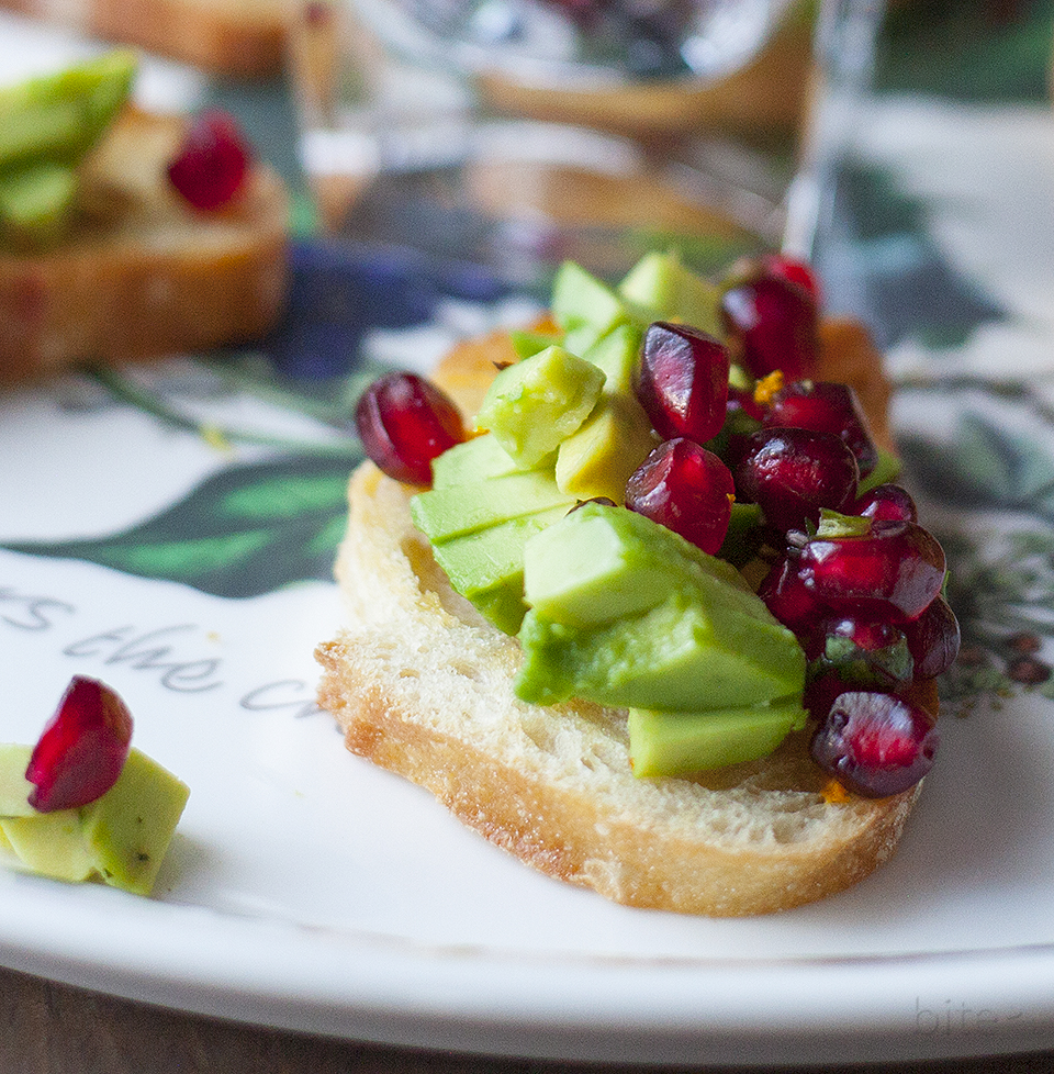 red and green bruschetta - easy holiday appetizer