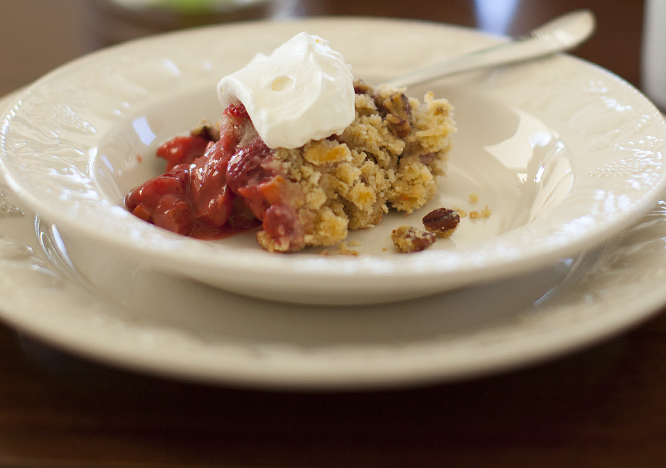 strawberry rhubarb crisp – time to breathe