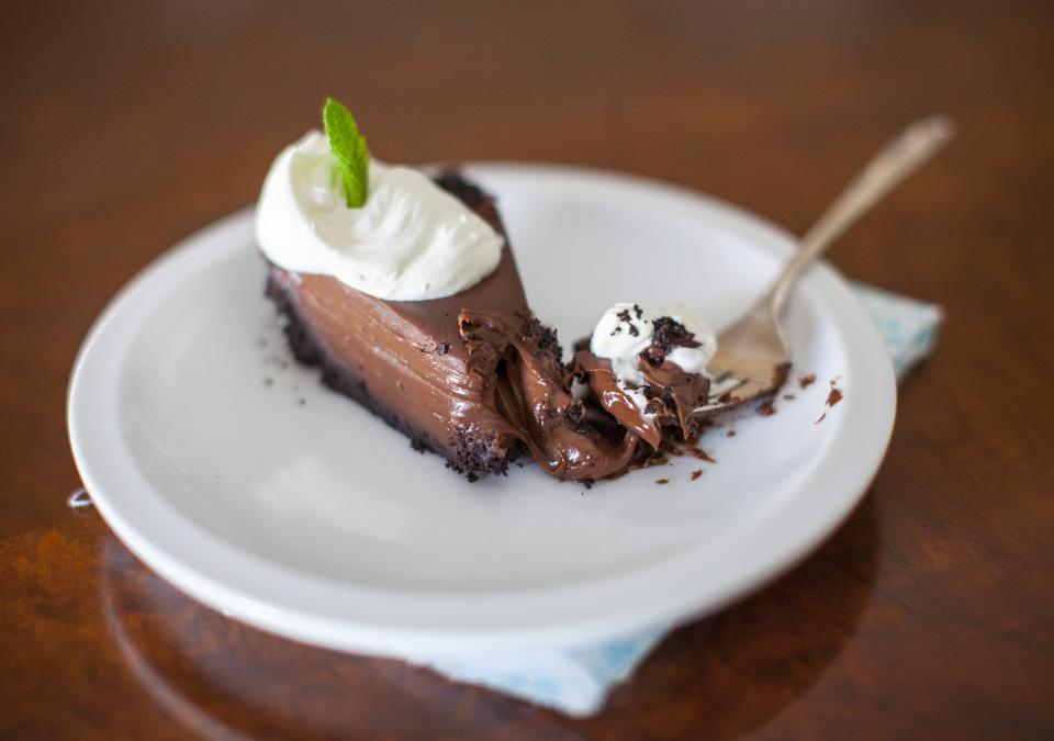 ooey gooey chocolate l bitebymichelle.com