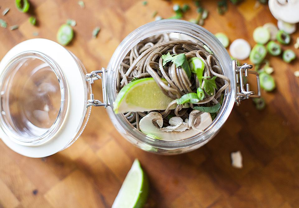 thai curry noodle pots - food on the fly l bitebymichelle.com