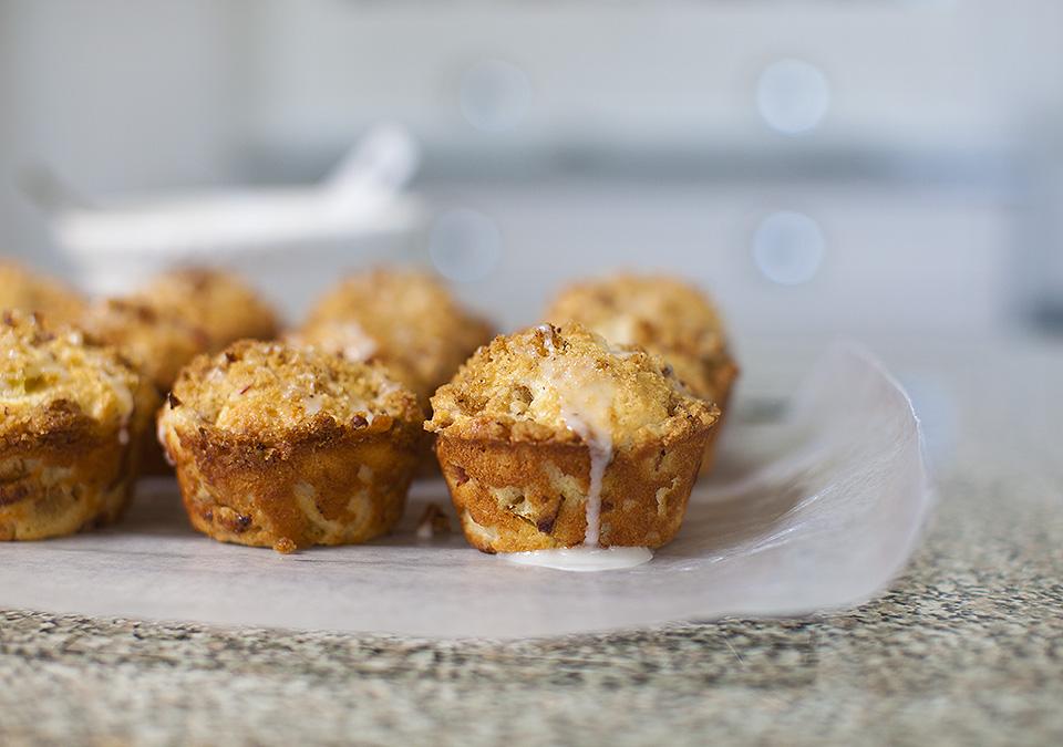 rhubarb streusel muffins with lemon glaze l bitebymichelle.com