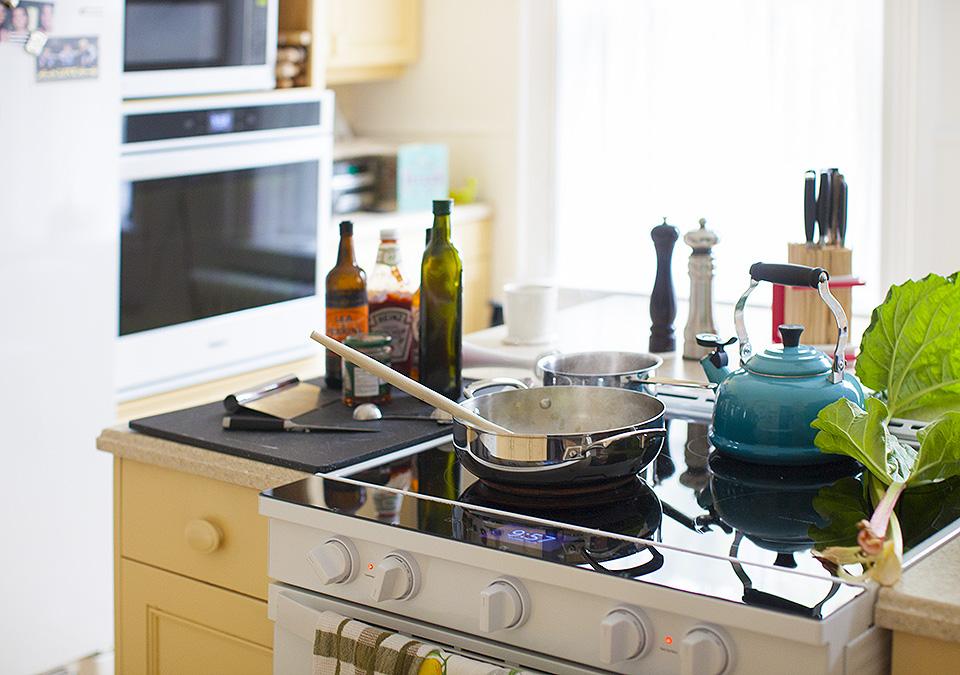 rhubarb barbecue sauce l bitebymichelle.com