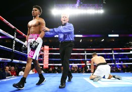 Shakur_Stevenson_vs_Viorel_Simion_knockdown