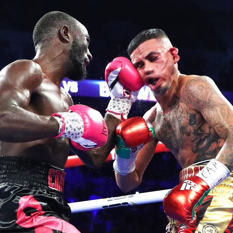 Terence_Crawford_vs_Jose_Benavidez_KO_punch