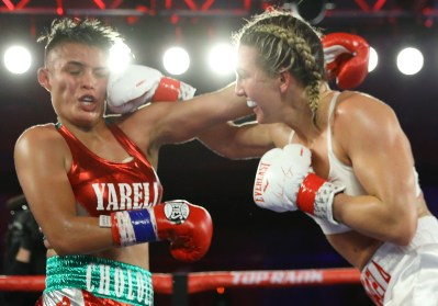Mikaela_Mayer_vs_Yareli_Larios_action7