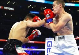 Gilberto_Ramirez_vs_Tommy_Karpency_action1