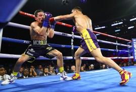 Vasiliy_Lomachenko_vs_Anthony_Crolla_action3