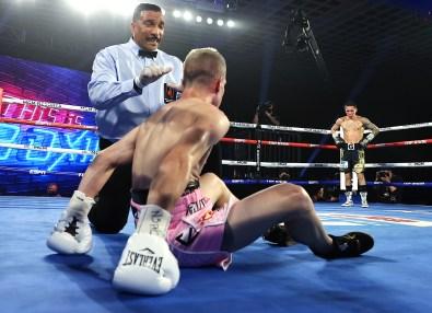 Oscar_Valdez_vs_Jayson_Velez_knockdown_count