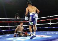 Emanuel_Navarrete_vs_Ruben_Villa_knockdown