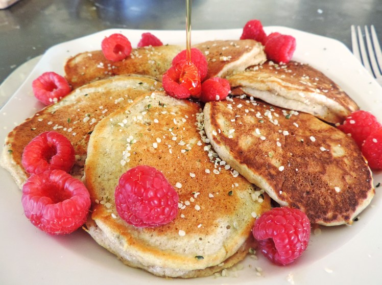 fluffy low carb collagen banana pancakes 3