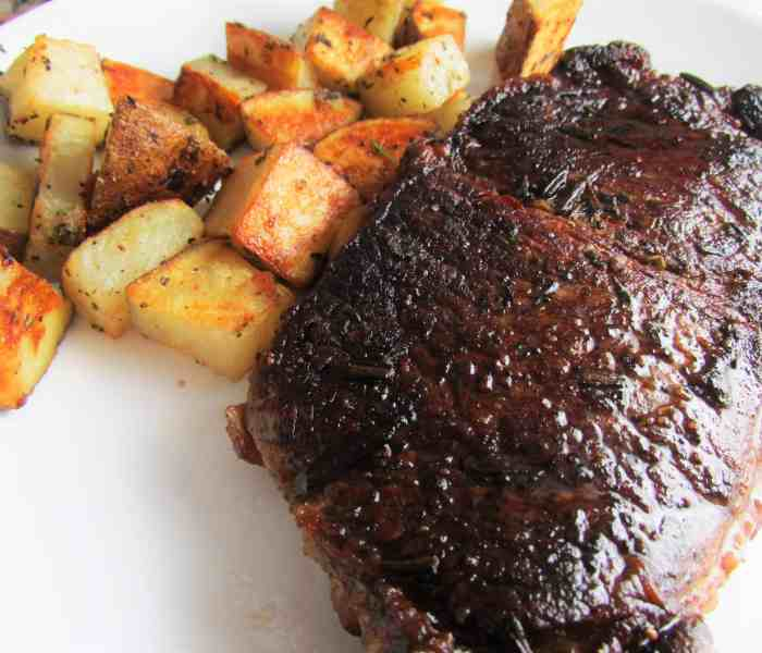 Cast Iron Seared Steak & Rosemary Roasted Potatoes