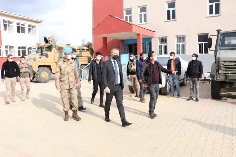 Kaymakam Yelek'ten Jandarma Tabur Komutanlığına ziyaret
