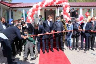 Ahlat'ta Saadet Ayber Özel Eğitim Uygulama Okulu törenle açıldı