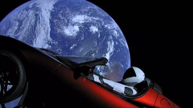 tesla-roadster-in-space-9-750x422