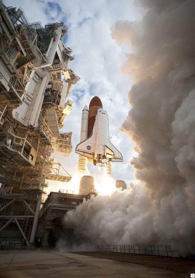 Atlantis liftoff