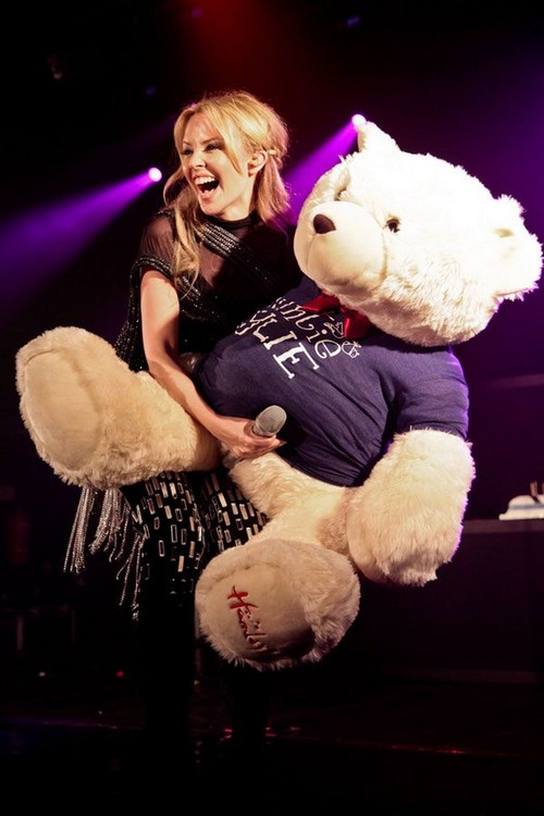 Miss kentucky and the bear