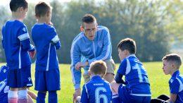 футбольный тренер для детей