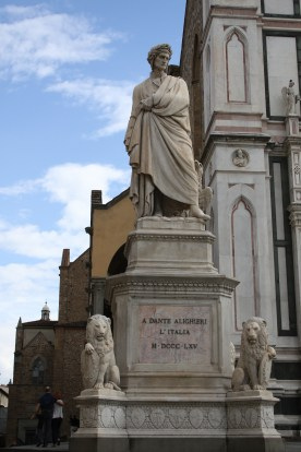 A very grumpy looking Dante Alighieri