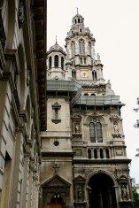 A beautiful old building we saw on the way to Palais Garnier