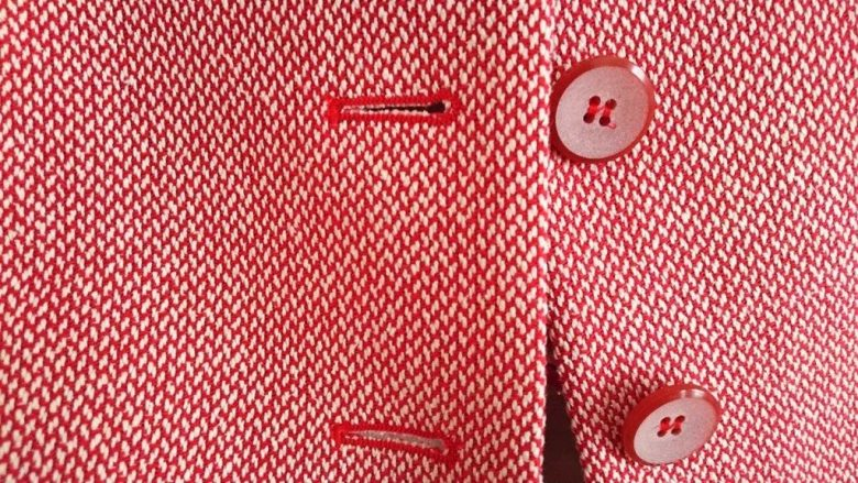How One Clothing Company Blends AI and Human Expertise, HBR nov-16