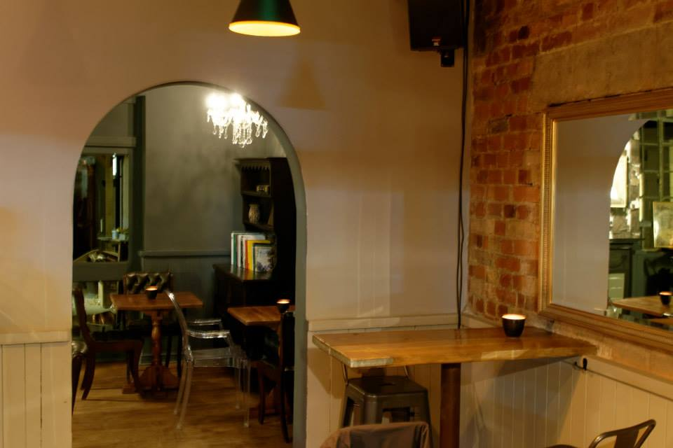 Archway through from the bar to the back at The Adventurer in Oxford