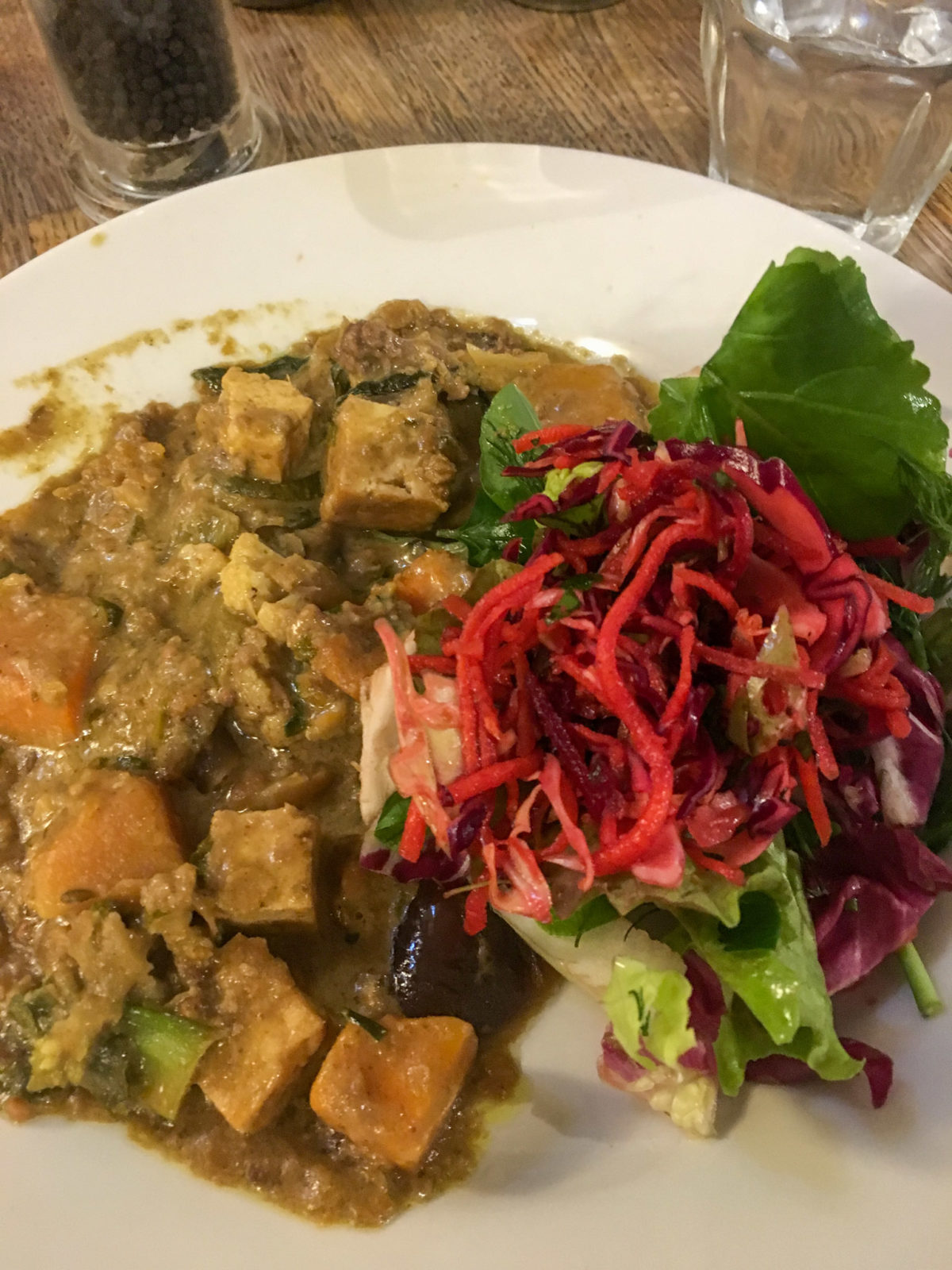 Lunch at Vaults and Garden Cafe Oxford - Best Vegan Food in Oxford 2020