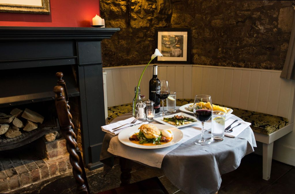 White Hart Wytham Table for Two